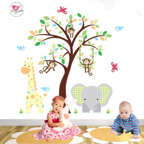 Image of Elephant and Giraffe Gender Neutral Nursery
