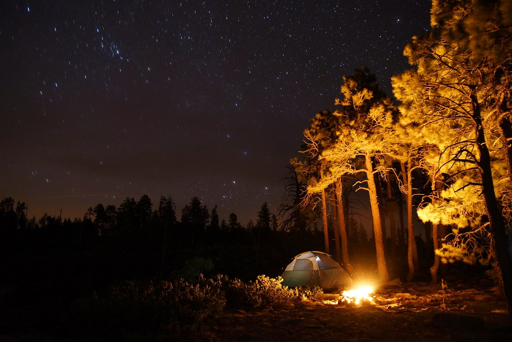 8 Helpful Tips for Arriving At Your Campsite at Night