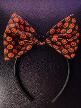 Load image into Gallery viewer, Wicked Headbands (Jack o lantern w/ bat)