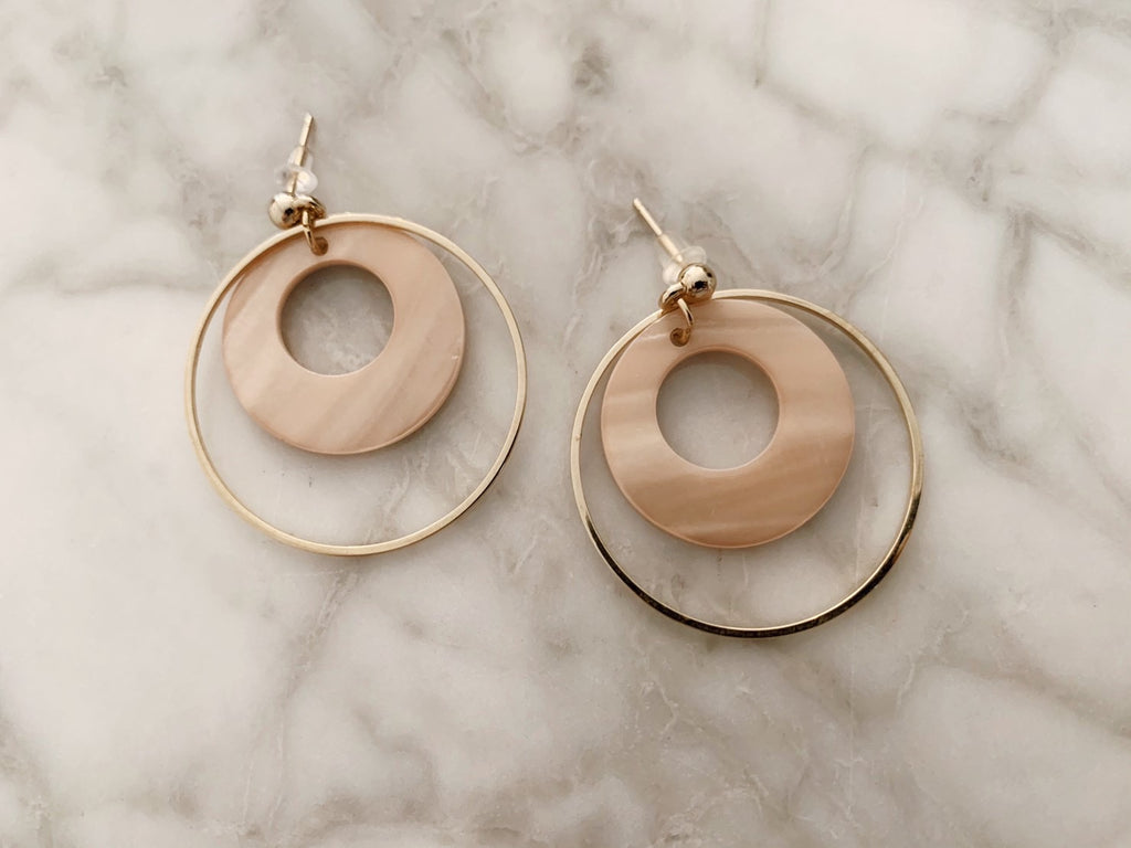 Shell double hoop pierces
