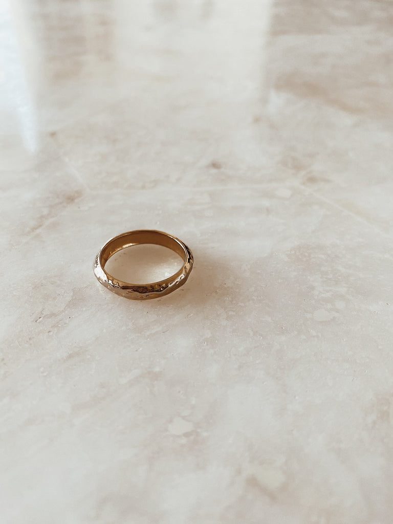 Hammered basic ring