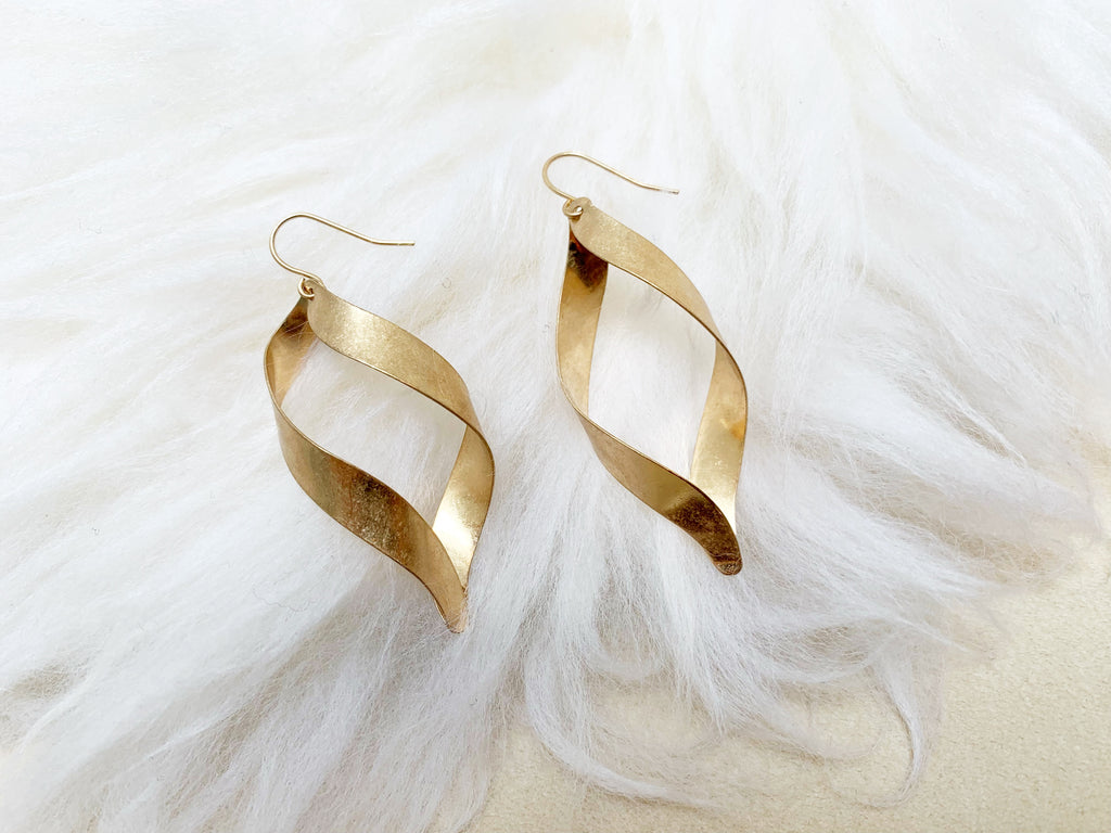 Twist hoop pierce/earrings [SH-A49]