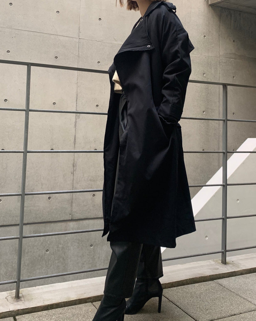 big collar trench coat