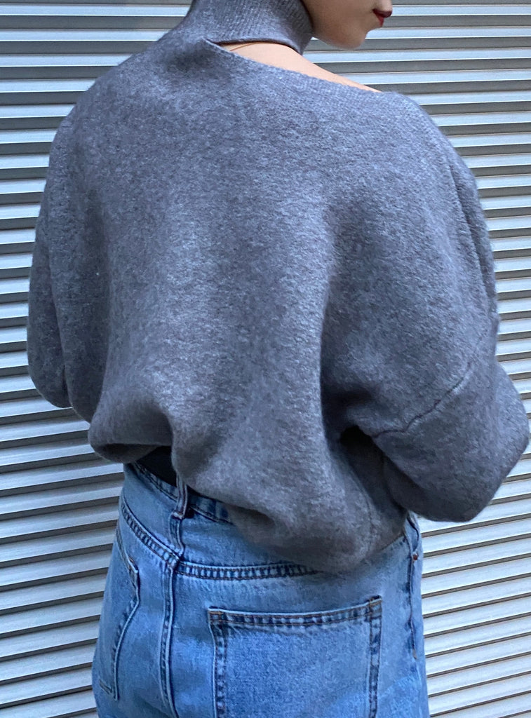 cut shoulder knit tops