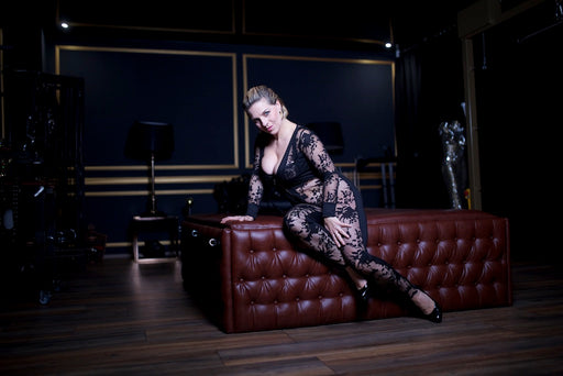 dominatrix mature model