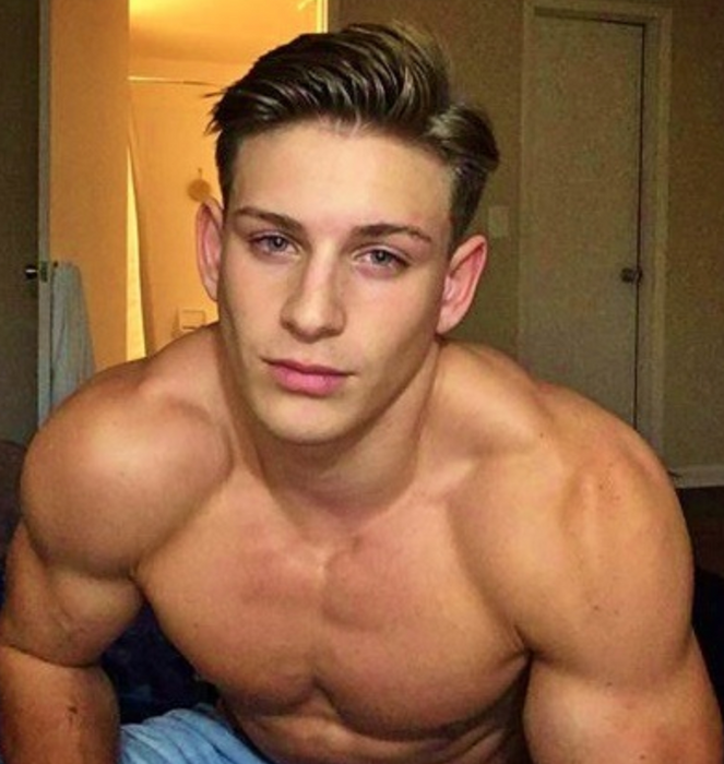 Reno Gold it one of the top best Onlyfans male models. Find him on Findr.Fans
