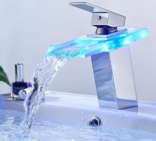 Laz - LED Temperature Color Changing Faucet - Luxury Modern Decor