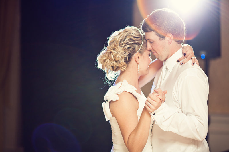 wedding photography poses first dance