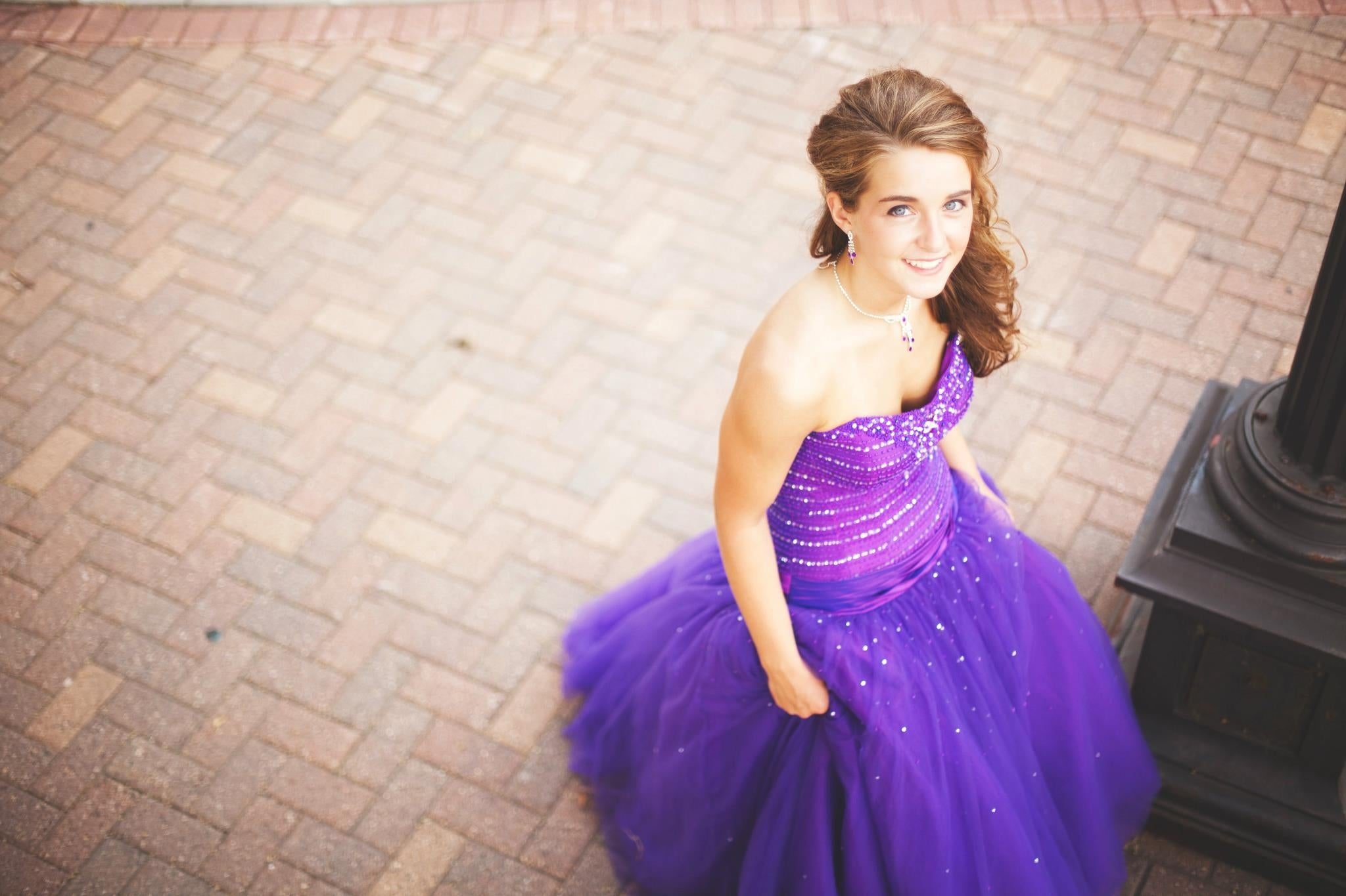 How to Become Wedding Shoppe Inc.'s 2012 Prom Girl of the Year!