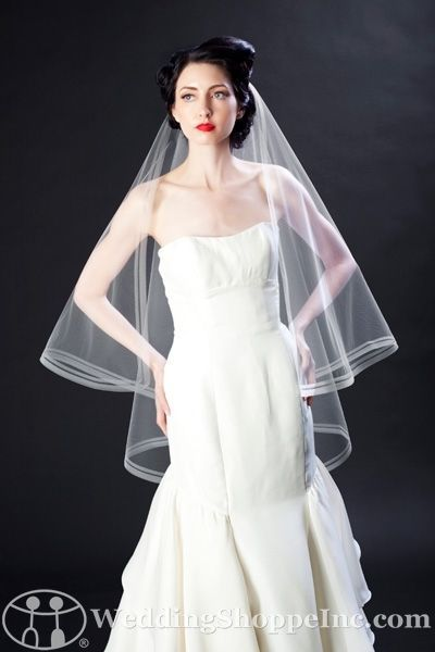 Choose the perfect wedding veil with Featured Bride, Alaura K.