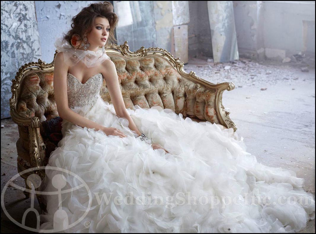 Lazaro Wedding Gowns By Jlm Couture The Ultimate In Bridal Glamour Wedding Shoppe