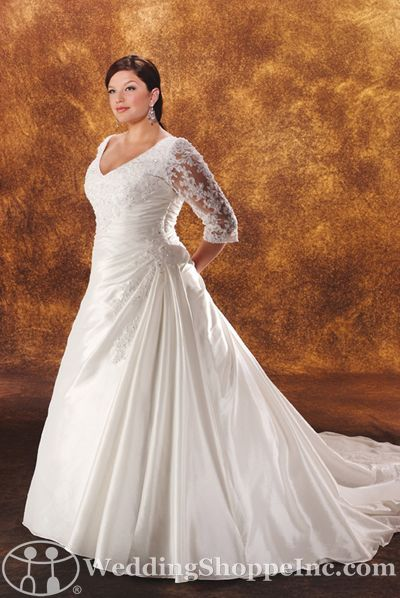 Wedding dresses with lace sleeves: Bonny 1814