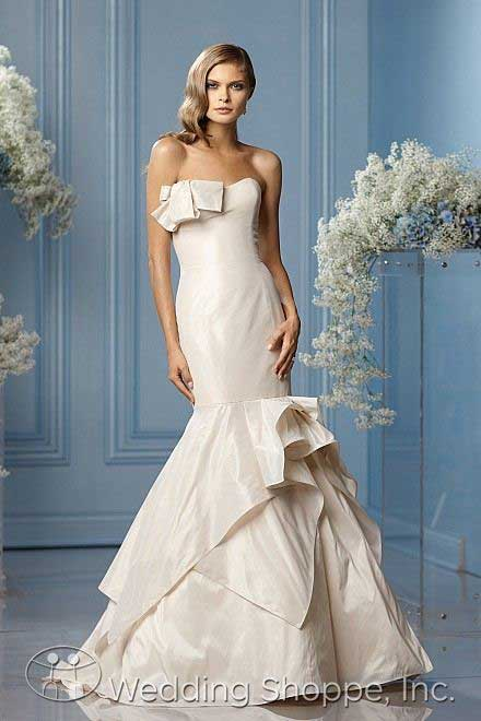 Blush colored wedding dresses: WTOO 10842/Angelina