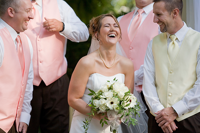 Bride-laughing-at-altar