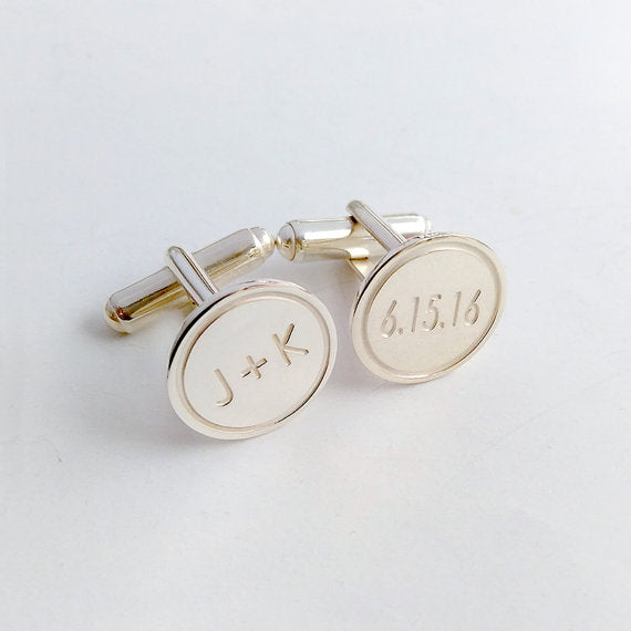 These cufflinks are the perfect gift to your groom | 23 Unique Presents for the Bride & Groom Gift Exchange | The Wedding Shoppe