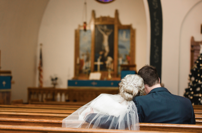 The perfect winter church wedding for the happy couple