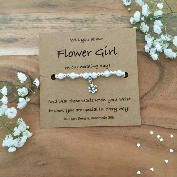 flower girl bracelet | How to Nail the Perfect Flower Girl Proposal