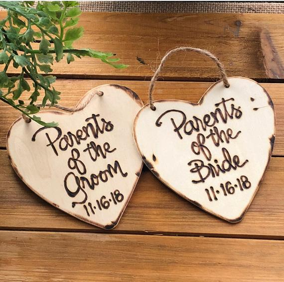 personalized Christmas ornaments  | Parents of the Groom Gifts That They'll Love