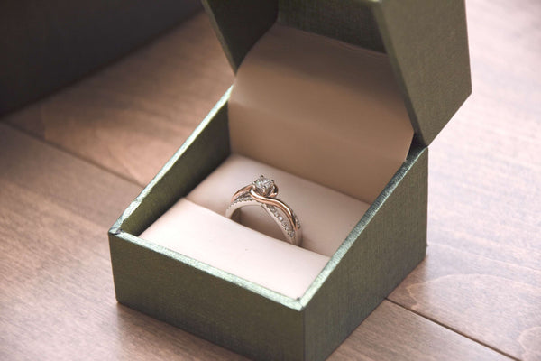Should You Go Engagement Ring Shopping Together?