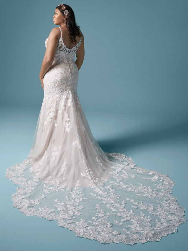 products/Maggie-Sottero-Giana-Lynette-20MT638AC-Curve-Back-MV.jpg