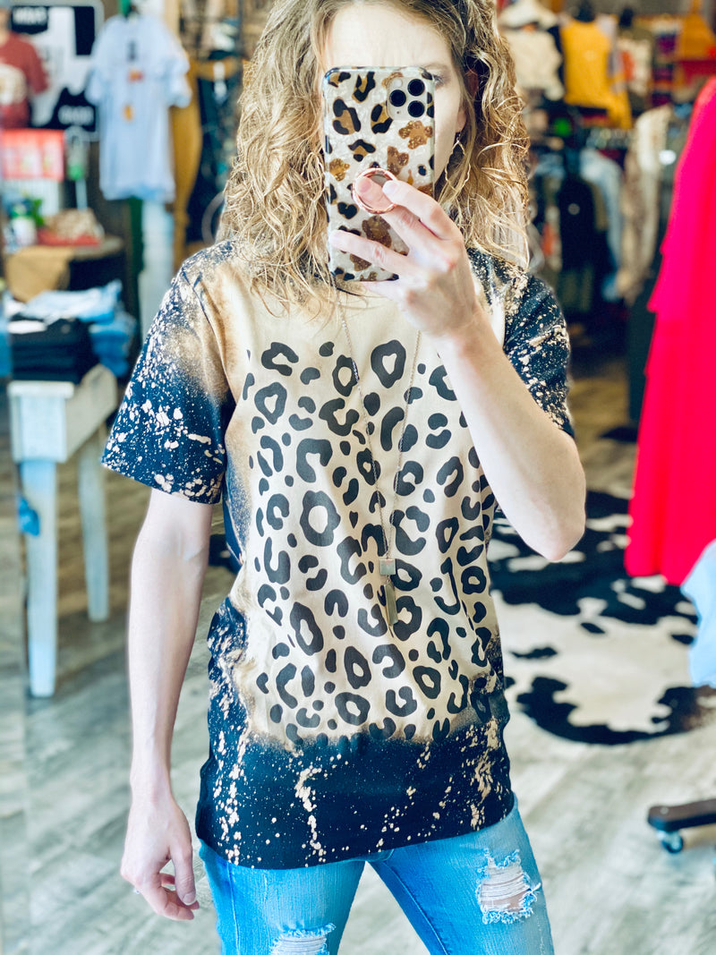 LEOPARD BLEACHED TEE