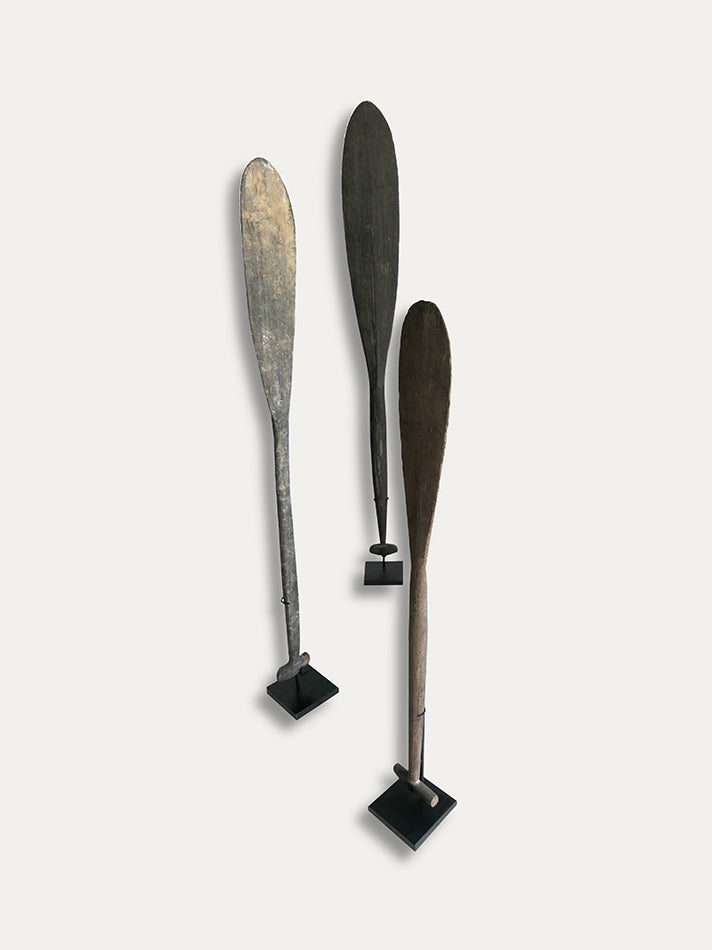 A set of 3 Paddles in Ironwood from Borneo - kirschon