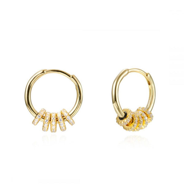 pendientes de aro mediano para piercing confeccionados en plata de ley con baño de oro 18 kilates y circonitas. Gold plated sterling silver medium sized hoop earrings