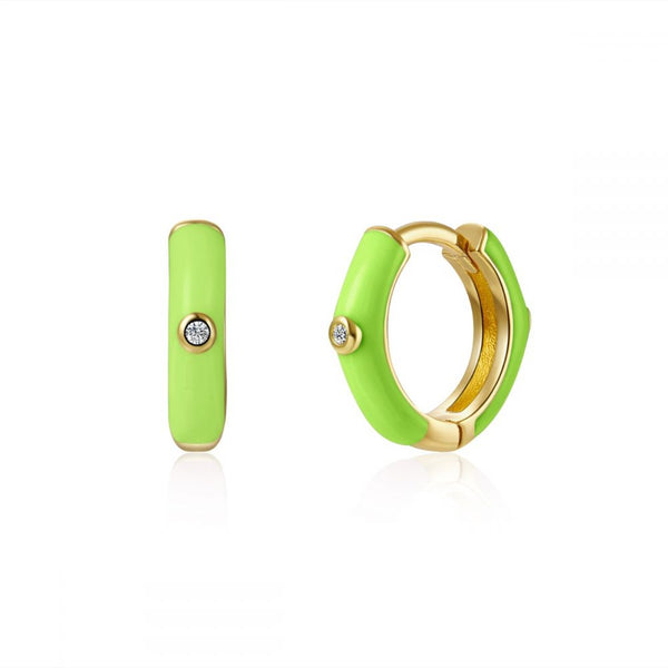 aros para piercing con esmalte verde lima o pistacho confeccionados en plata de ley con baño de oro 18 kilates. Gold plated sterling silver green lime varnished hoop earrings