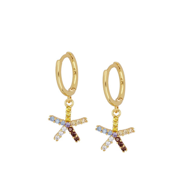pendientes de aro pequeño con cierre fácil para piercing que tienen un colgante de estrella multicolor y están confeccionados en plata de ley con baño de oro 18 kilates. Gold plated sterling silver color zircon hoop earrings for piercing that are hypoallergenic.