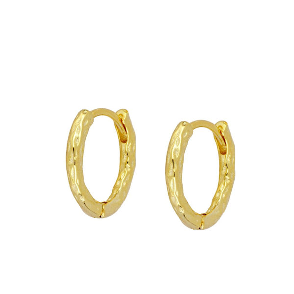 aros medianos de piercin irregular confeccionados en plata de ley con baño de oro 18 kilates. gold plated silver IRREGULAR hoop earrings for piercing