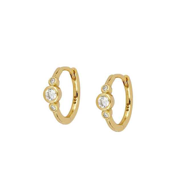 PEQUEÑOS AROS finos con circonitas para piercing confeccionados en plata de ley con baño de oro 18 kilates. Gold plated sterling silver very thin hoop earrings for piercing
