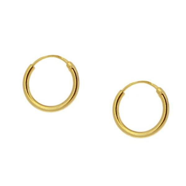 Pequeños pendientes de aro mini 10 mm para niña o piercing de cartílago confeccionados en plata de ley 925 con baño de oro 18 kilates. Gold plated sterling silver small hoop earrings for little girls o cartilage helix piercing.