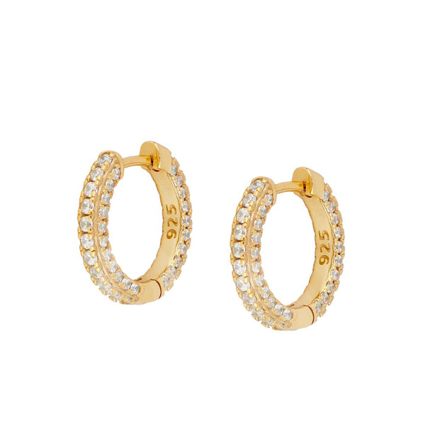 pendientes de aro mediano y grueso para piercing confeccionados en plata de ley con baño de oro 18 kilates y circonitas. Gold plated sterling silver medium sized chunky hoop earrings
