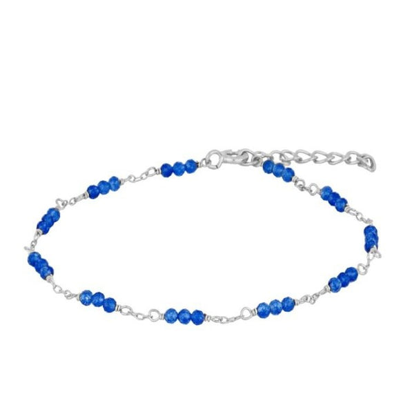 PULSERA con mineral de jade azul y personalizable con inicial. Está confeccionada en plata de ley con baño de oro 18 kilates.  Blue jade mineral bracelet that can be customized with your initial letter. It is made of sterling silver and 18 gold carat plated