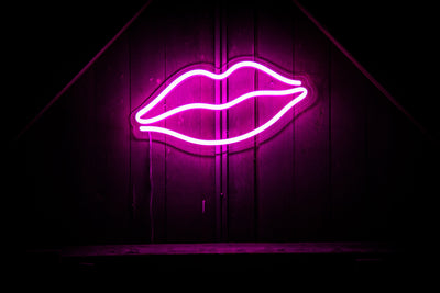 Lips LED sign