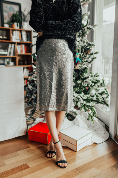 Holiday Party Dresses | Vesper & Vine | Cocktail Hour Essentials and Home Entertaining Decor