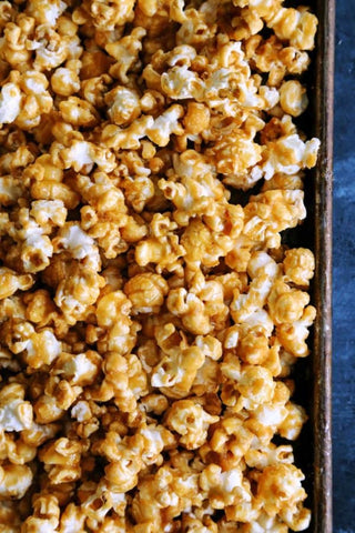 Fall Dessert Favorites | Caramel Corn