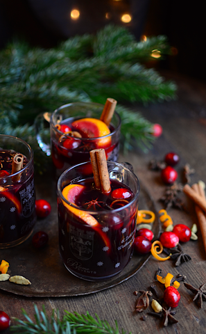 Modern Holiday Cocktails | Vesper & Vine