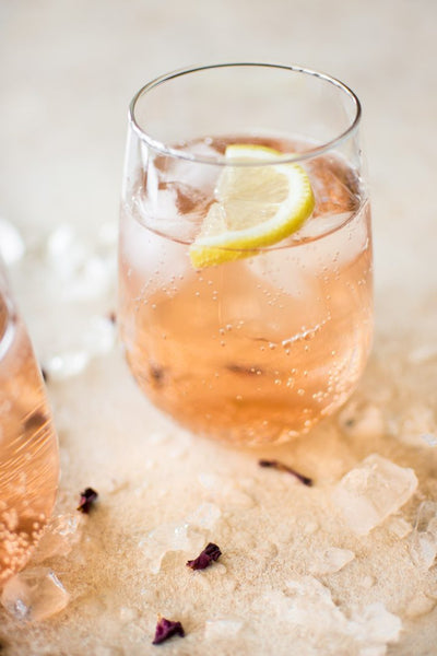 Rose Spritzer | Healthy Cocktails You Can Order at any Restaurant