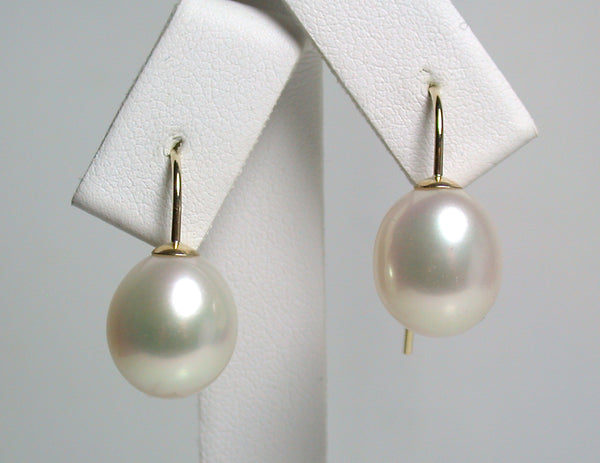 11x13mm white freshwater pearl & 9 carat gold earrings