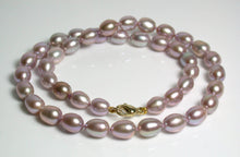 Load image into Gallery viewer, 8x10mm lavender pink pearl & 9 carat gold necklace