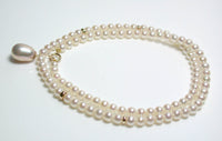 8.5x12mm metallic pink and 4mm freshwater pearl & 9ct gold necklace
