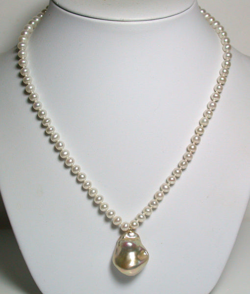 20x25mm metallic pink-gold freshwater pearl & 9ct gold necklace