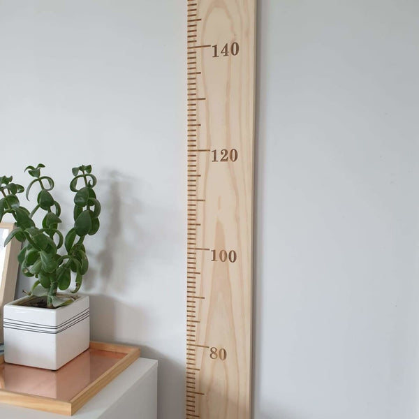 Height Chart Special - Engraved / None/Plain