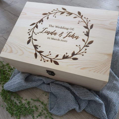 Keepsake Pine Engraved Box Wedding Date In Wreath - Keepsake Box