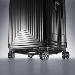"Samsonite Neopulse Spinner Large 28"" in Metallic Black wheels"