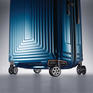 "Samsonite Neopulse Spinner Large 28"" in Metallic Blue wheels"