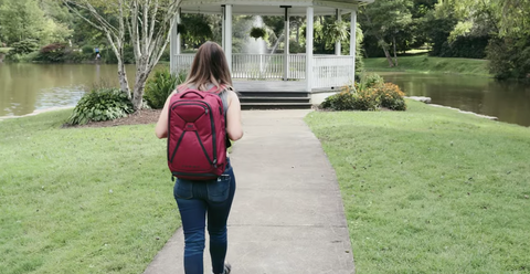 Heather travel blogger and remote worker reviews the Knack Pack backpack