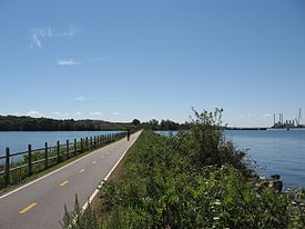 Paved bike path in Providence, Rhode Island