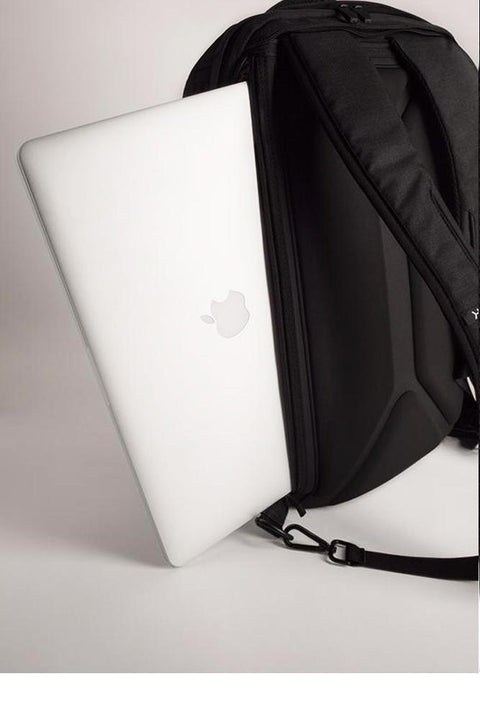 "Padded, side computer pocket fits up to 17"" laptops (measured diagonally)"